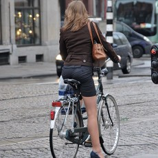 398px-Ciclista_con_tacos_altos